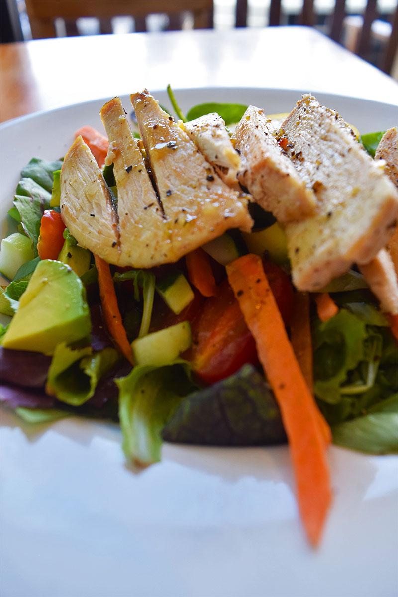 Cafe Kaila, healthy Waikiki restaurant
