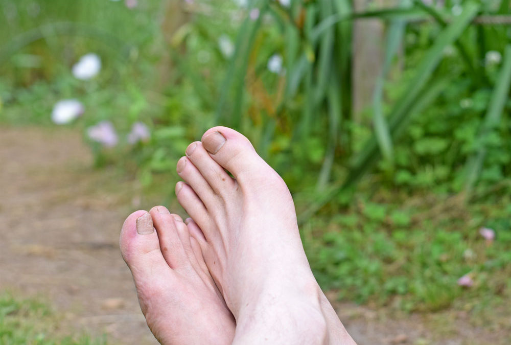 Earthing Experiment (Grounding) – How Going Barefoot Changed My Life